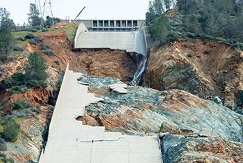 Damage to Lake Oroville Dam spillway February 2017